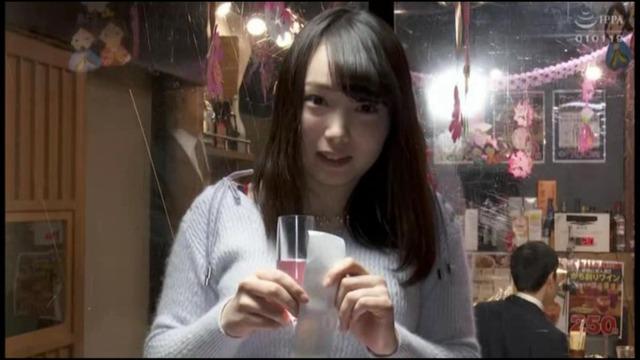 桐谷なおのエロ画像01