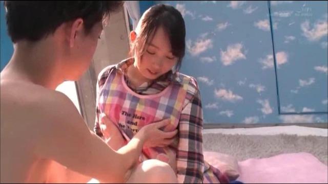 桐谷なおのエロ画像12