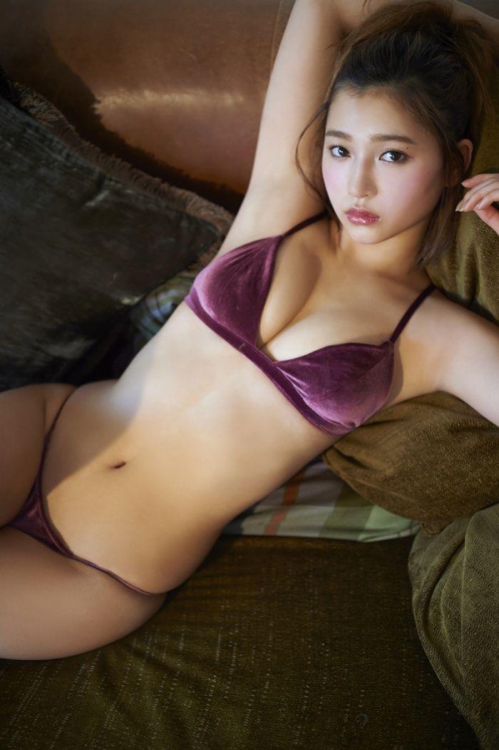 「恋んトス」杉本美穂、SEXY小悪魔ボディで狂わせる