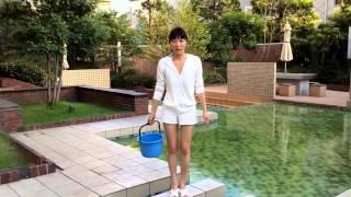 【動画】☆芸能人☆アイスバケツチャレンジ!可愛いグラビアアイドル経沢香保子がビキニでかぶる♡