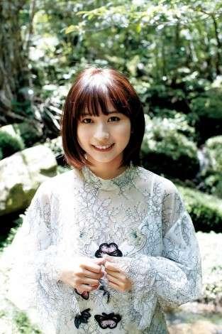 ガッキー似で有名、SNSで話題の中国人美女ロン・モンロウ『ヤンジャン』で人生初グラビア挑戦