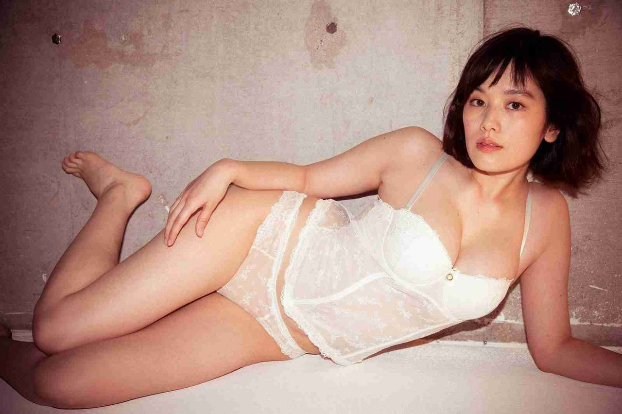 """筧美和子、SEXY下着で""""史上最高グラビア"""""""