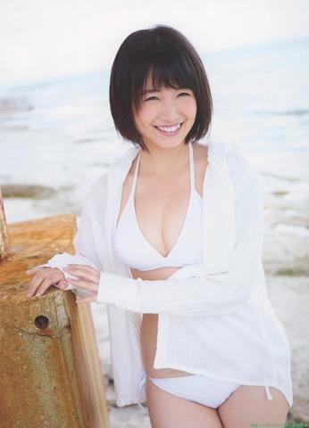 HKT48朝長美桜 白ビキニ画像