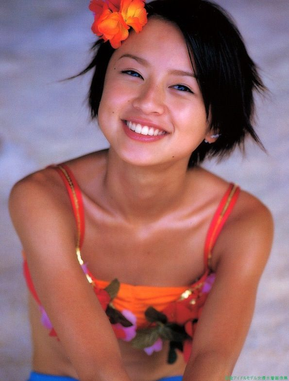 はじける笑顔の鈴木亜美