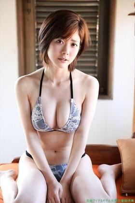 美人過ぎる 女流雀士高宮まり 水着ビキニグラビア「50枚」