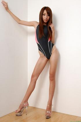 ミス東スポ2013黒沢美怜競泳水着グラビア「30枚」