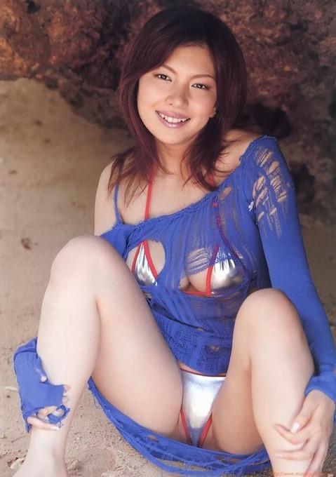 水着画像「85枚」前原 あいⅠカップのグラビアアイドル