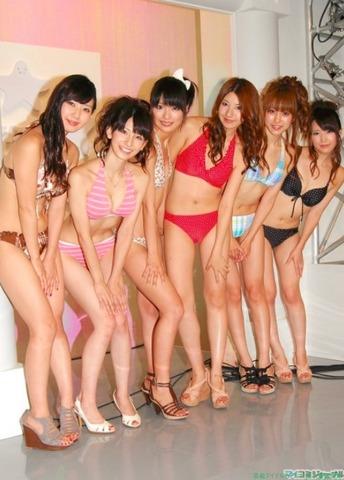 日テレジェニック2010 DVD発売イベントでの水着ビキニ画像「19枚」