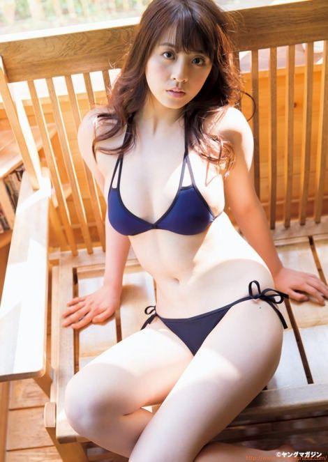 柳ゆり菜 セクシー黒ビキニ「10枚」