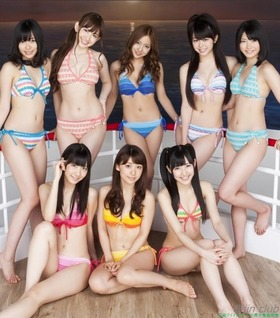 横山由依AKB48メンバーの水着グラビア「17枚」
