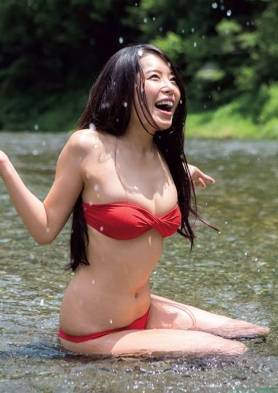水と一緒に笑顔がはじける寺田安裕香♪