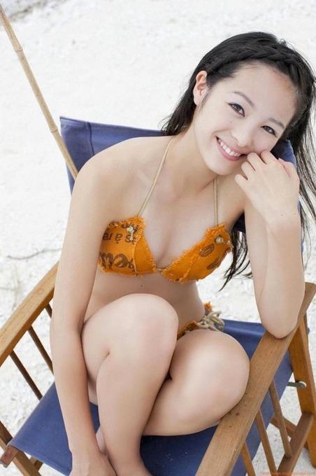 朝ドラ 半分青い 出演女優 清野菜名水着ビキニ画像「31枚」