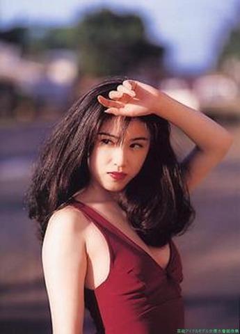 本田理沙80年代アイドルのグラビア水着「42枚」