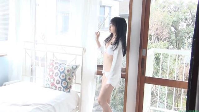 AKB48 向井地美音 白ビキニ水着グラビア「56枚」アイドル画像