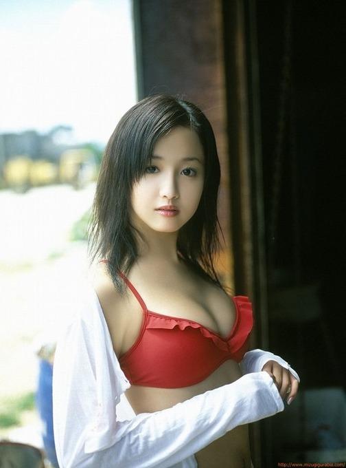 沢尻エリカ 赤いビキニ画像「18枚」