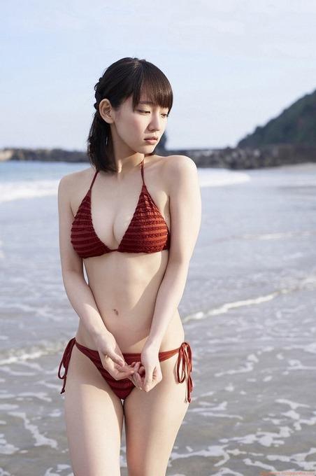 吉岡里帆 茶色ビキニ&カラフルビキニ「11枚」