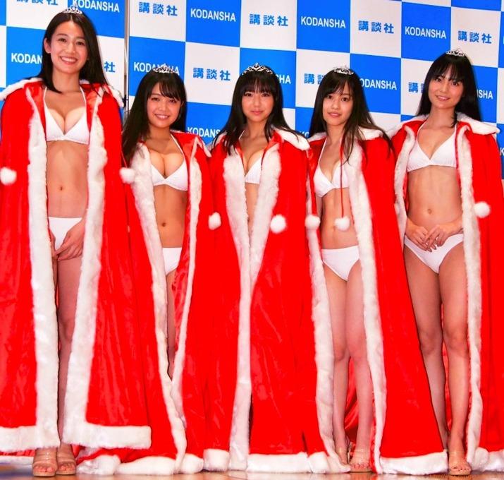ミスマガジン2018 15歳グランプリ沢口愛華 発表会での白水着、白ビキニ