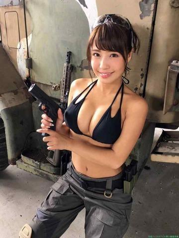 黒いグラビアアイドル橋本梨菜 水着ビキニ 画像「99枚」
