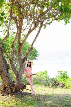 AKB48藤江れいなピンクビキニ「12枚」グラビア画像