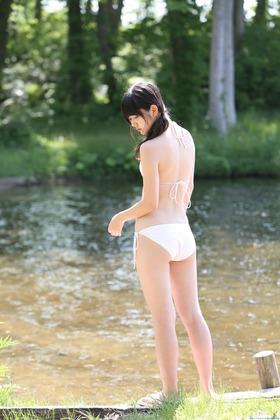 ℃-ute鈴木愛理,白ビキニグラビア画像「8枚」