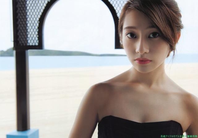 黒いドレスがセクシーです。桜井玲香(乃木坂46)のグラビア画像です。