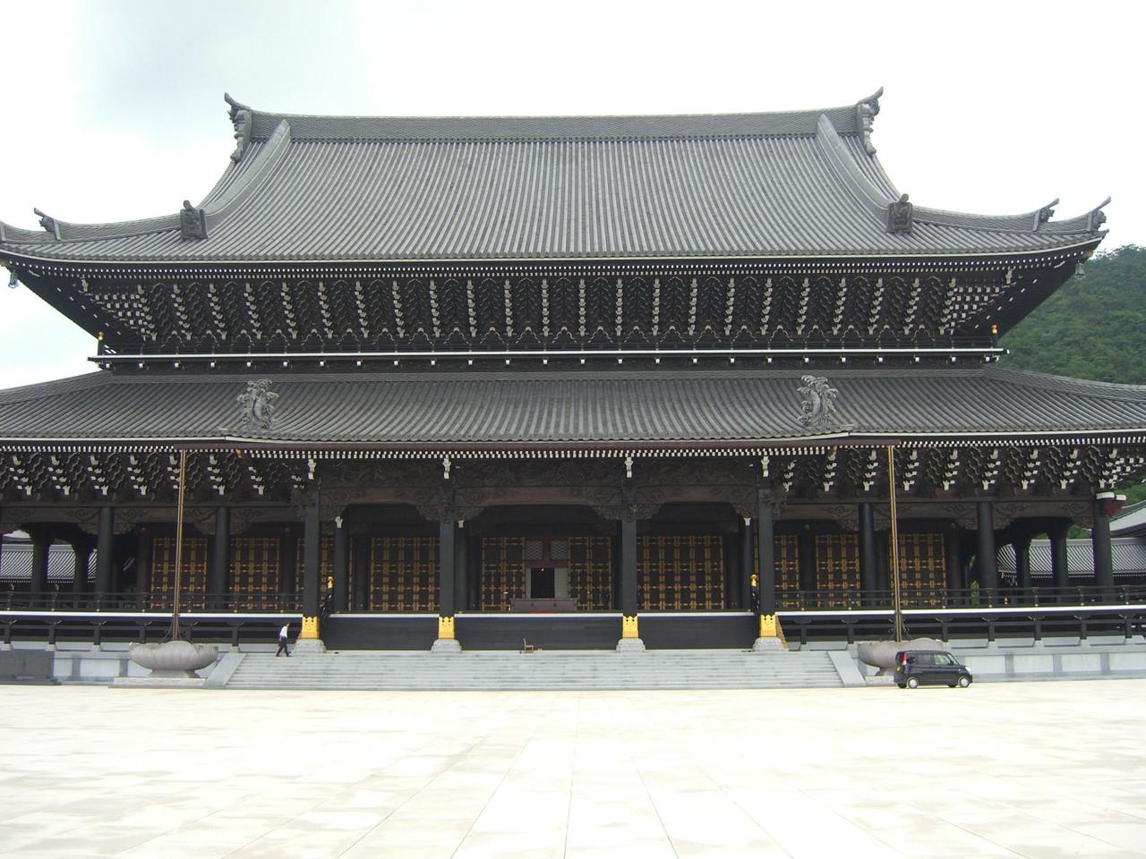 凄すぎる新興宗教の寺