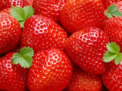 strawberry-wallpaper