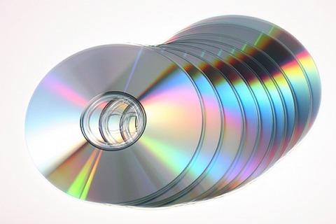 fondo-blanco-discos-datos-cd-rom_3116020
