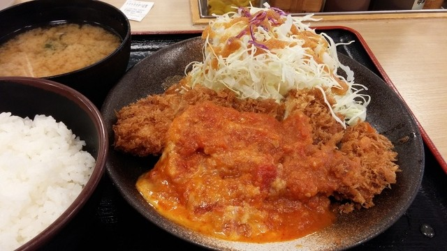【画像あり】松乃屋、たっぷりチーズのトマトチキンモモかつ定食を発売 これは美味そう