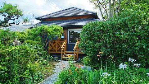 樹木のある庭園が美しい七宝の隠れ家カフェでモーニング/ベイリーフ