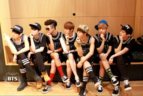 BTSのファンが選ぶ心にぐっとくる人気曲 ...