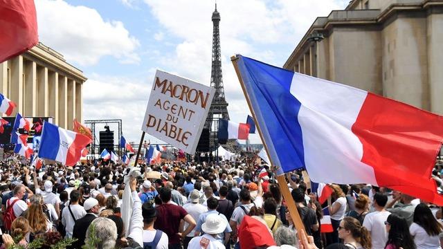 manifestation-anti-pass-sanitaire-a-paris