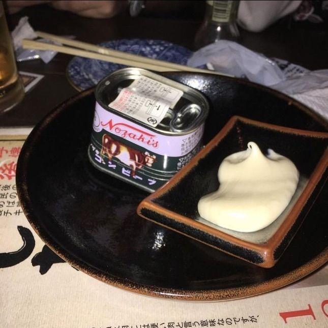 外国人「日本の居酒屋でコーンビーフを注文したら缶のまま出てきてワロタ」