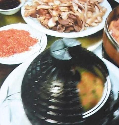 レストランで名物「地雷」料理が本当に爆発―中国