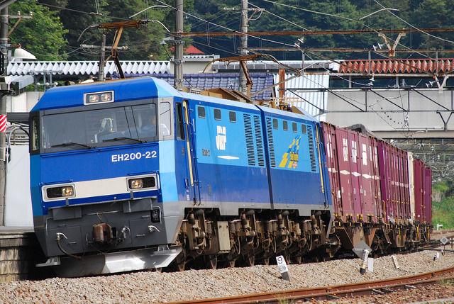 日本の貨物列車「あ?ドカ雪?知るか」→普通に運行www