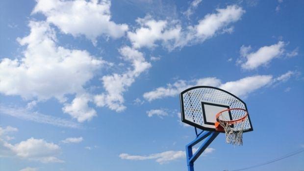 韓国人「黒人の一般的なバスケットボールの実力を見てみよう」