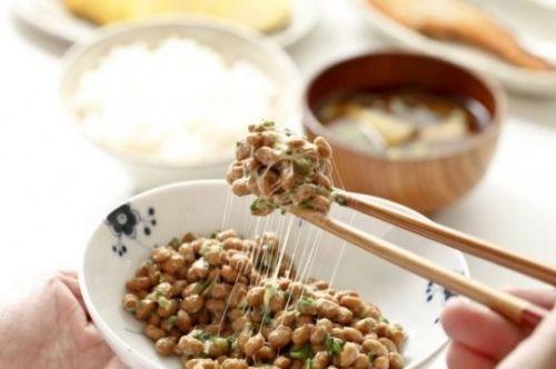 韓国人「日本の納豆は韓国伝統の清麹醤のパクり」「慰安婦たちを思うなら納豆を食べましょう」 チョングッチャン、日本の納豆にテレビまで奪われた