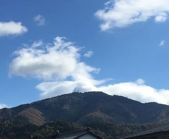 オフィス近くから見た比叡山