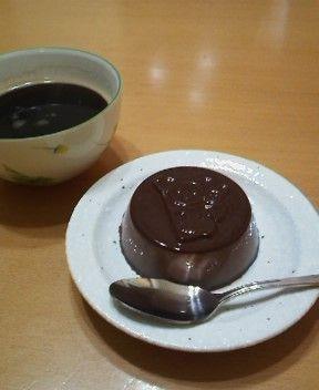 チョコミルクプリンとコーヒー