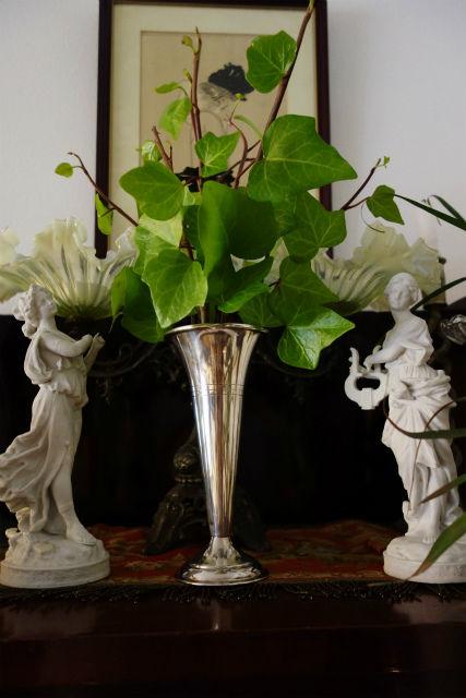 spラッパ形花瓶a