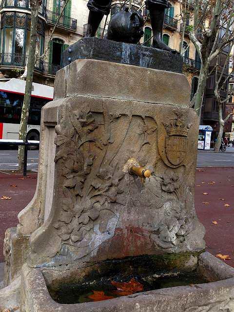 Urquinaonaの像 (3)