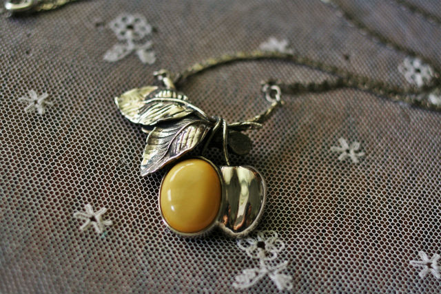 amber necklace1 (3)