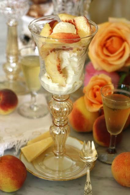 wine glassにデザートを盛る