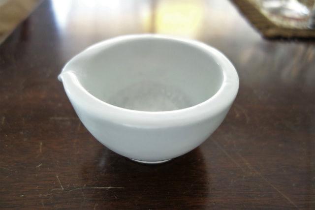 白磁小乳鉢 (1)