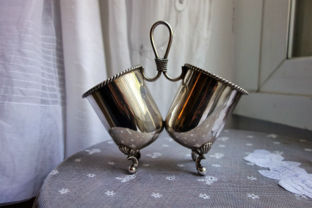 sp2つカップの小物入れ (3)