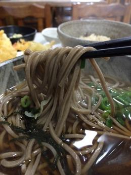 うお忠 天ぷらそば定食 980円 (2)