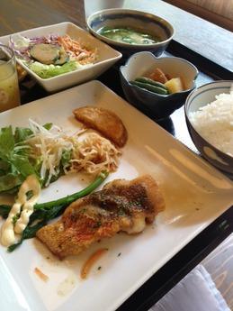 こぬれ 魚のムニエル定食 850円