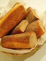 オステリア ジュリア 自家製パン(鰯ソース)