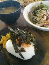 和風サラダ、おむすびセット(120円)