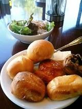 ル・パスタガーデン パン食べ放題とサラダ